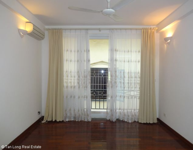 Rental house with 6 bedrooms in Dang Thai Mai street 8