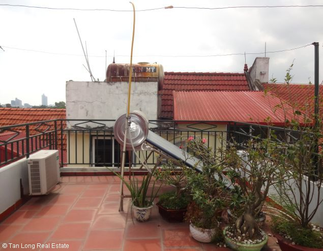 Rental house with 6 bedrooms in Dang Thai Mai street 1
