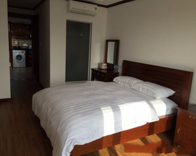Renting 1 bedroom serviced apartment with size of 55m2 in Ly Nam De, Hoan Kiem 4