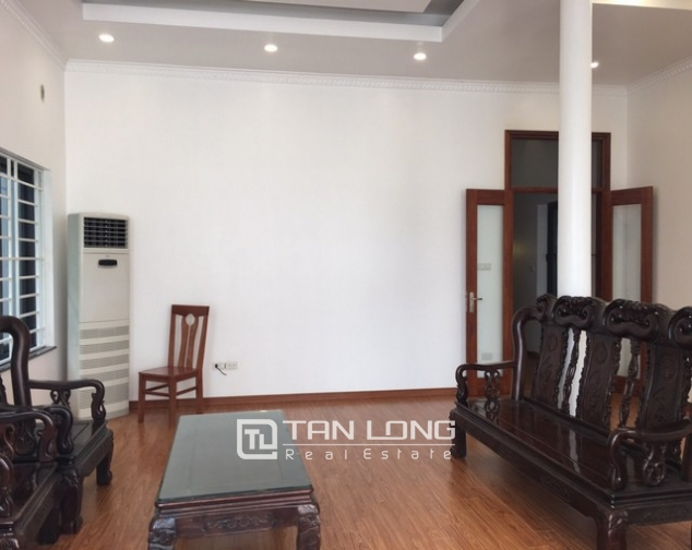 Renting 100m2 house with lake in Dang Thai Mai, Tay Ho district 6