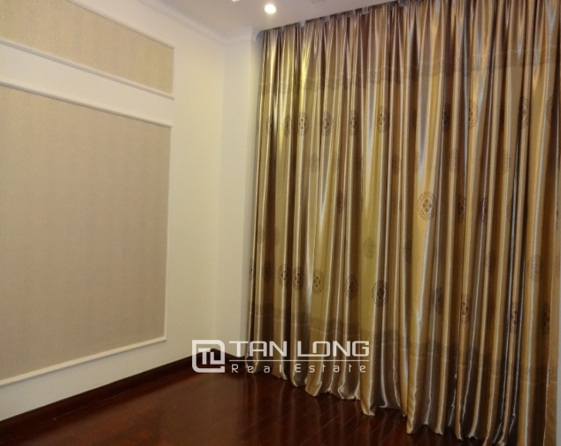 Renting 2 bedroom apartment in R1 Royal City, nice design 4