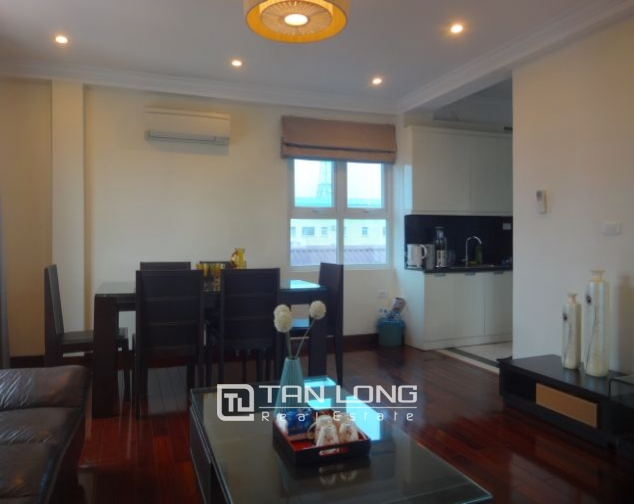 Renting 2 bedroom apartment with lake view in Truc Bach, Ba Dinh, Hanoi 3