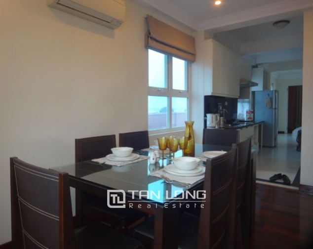 Renting 2 bedroom apartment with lake view in Truc Bach, Ba Dinh, Hanoi 4