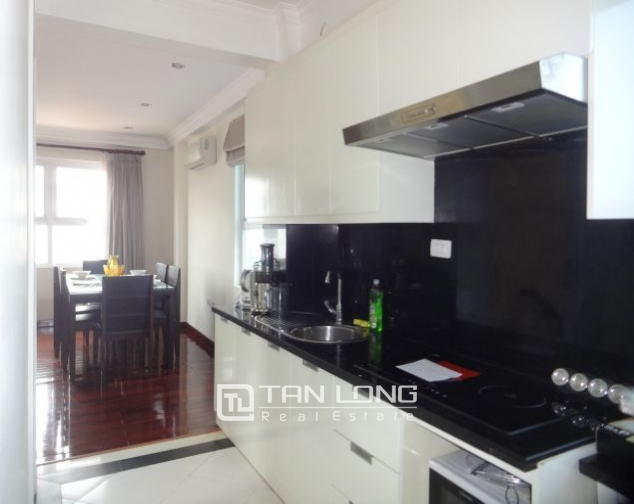Renting 2 bedroom apartment with lake view in Truc Bach, Ba Dinh, Hanoi 5