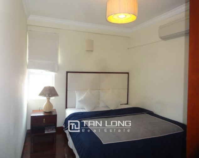 Renting 2 bedroom apartment with lake view in Truc Bach, Ba Dinh, Hanoi 6