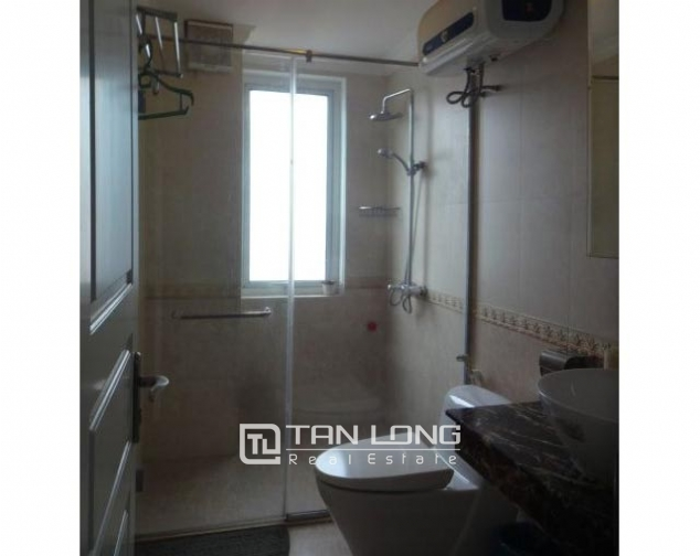 Renting 2 bedroom apartment with lake view in Truc Bach, Ba Dinh, Hanoi 8
