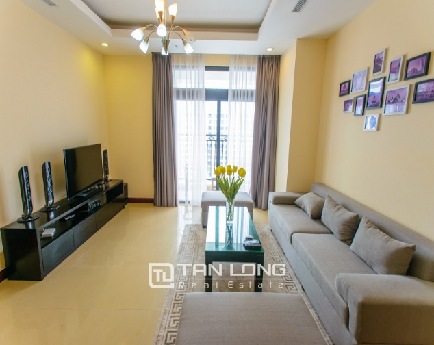 Renting 2 beds/ 2 baths apartment in R5 Royal City, Thanh Xuan, Hanoi 2
