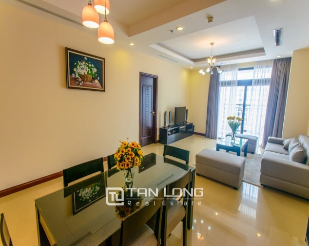Renting 2 beds/ 2 baths apartment in R5 Royal City, Thanh Xuan, Hanoi 4