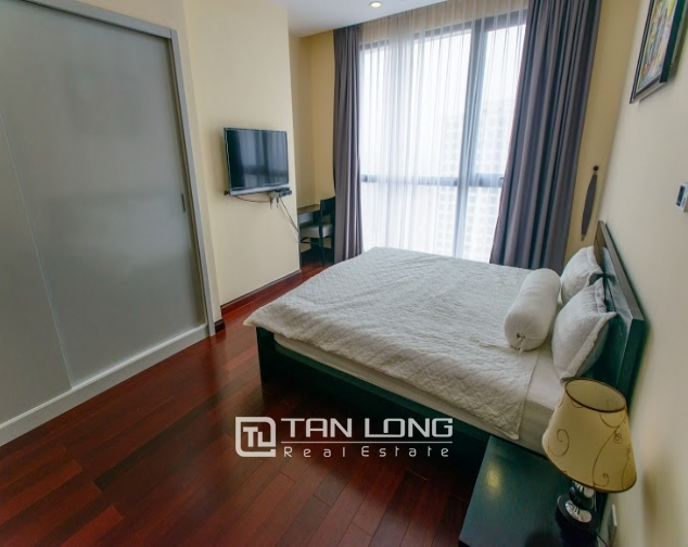 Renting 2 beds/ 2 baths apartment in R5 Royal City, Thanh Xuan, Hanoi 8