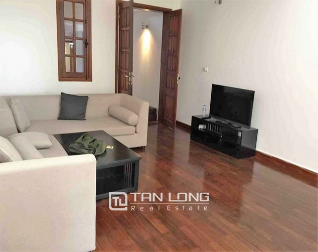 Renting 5 storey house with view of Hoan Kiem lake in Hang Khay, Hoan Kiem district 2