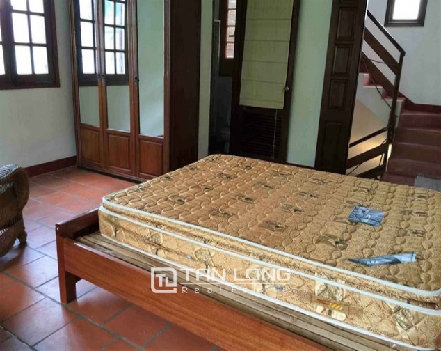 Renting 5 storey house with view of Hoan Kiem lake in Hang Khay, Hoan Kiem district 7