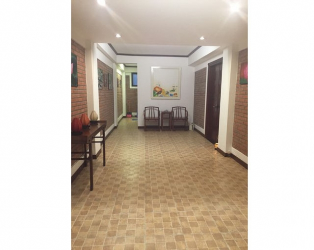 Renting 70m2 serviced apartment with 2 bedrooms in Ly Nam De street, Hoan Kiem dist 2