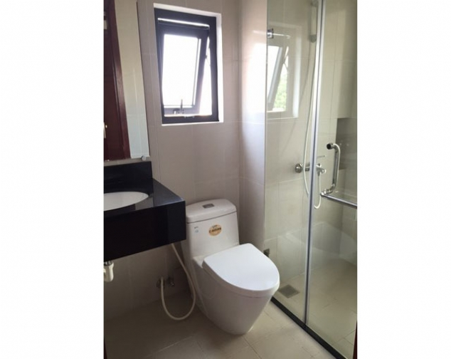 Renting 70m2 serviced apartment with 2 bedrooms in Ly Nam De street, Hoan Kiem dist 4