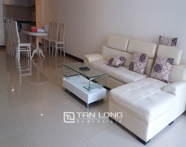 Renting apartment in R1 Vinhomes Royal City, 3 beds/ 2 baths 1