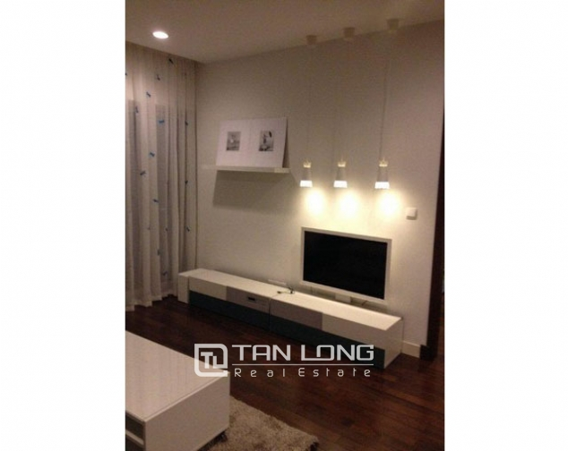 Renting fully furnished apartment in Lancaster Hanoi, 3 beds/ 2 baths 3