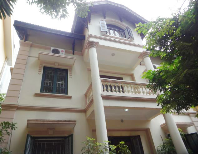 Renting garden villa with 4 bedroom in To Ngoc Van street, Hanoi, 350sqm