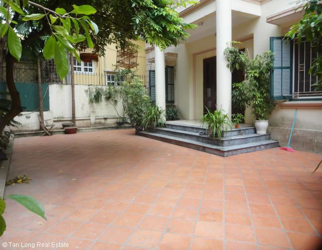 Renting garden villa with 4 bedroom in To Ngoc Van street, Hanoi, 350sqm 2