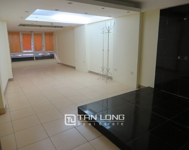 Road-front 3 storey house for rent in Ho Xuan Huong, Hai Ba Trung, Hanoi 8