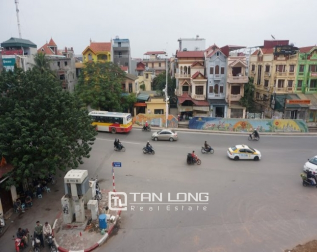 Road-front office for rent on level 3-4 in Au Co, Tay Ho, Hanoi 7