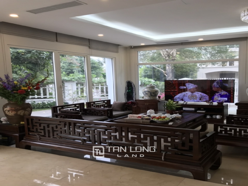 Romantic Villa For Rent In Hoa Phuong Area - Vinhomes Riverside Long Bien 8