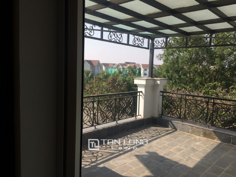 Romantic Villa For Rent In Hoa Phuong Area - Vinhomes Riverside Long Bien 10