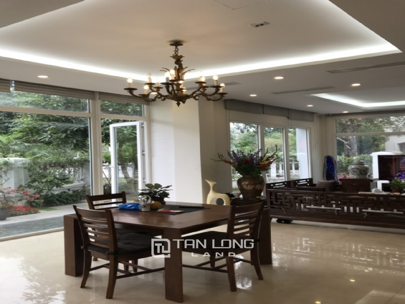 Romantic Villa For Rent In Hoa Phuong Area - Vinhomes Riverside Long Bien 9