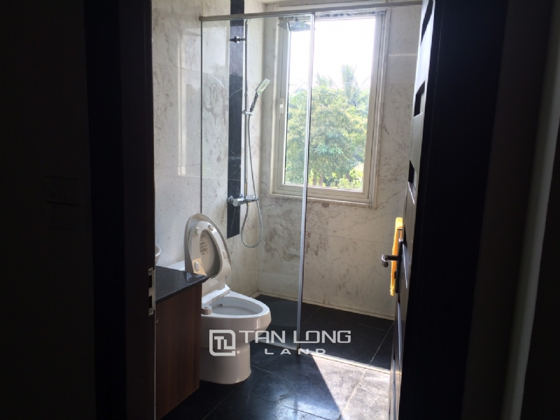 Romantic Villa For Rent In Hoa Phuong Area - Vinhomes Riverside Long Bien 13
