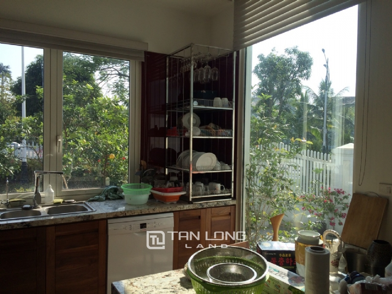 Romantic Villa For Rent In Hoa Phuong Area - Vinhomes Riverside Long Bien 14