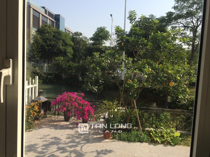 Romantic Villa For Rent In Hoa Phuong Area - Vinhomes Riverside Long Bien 17