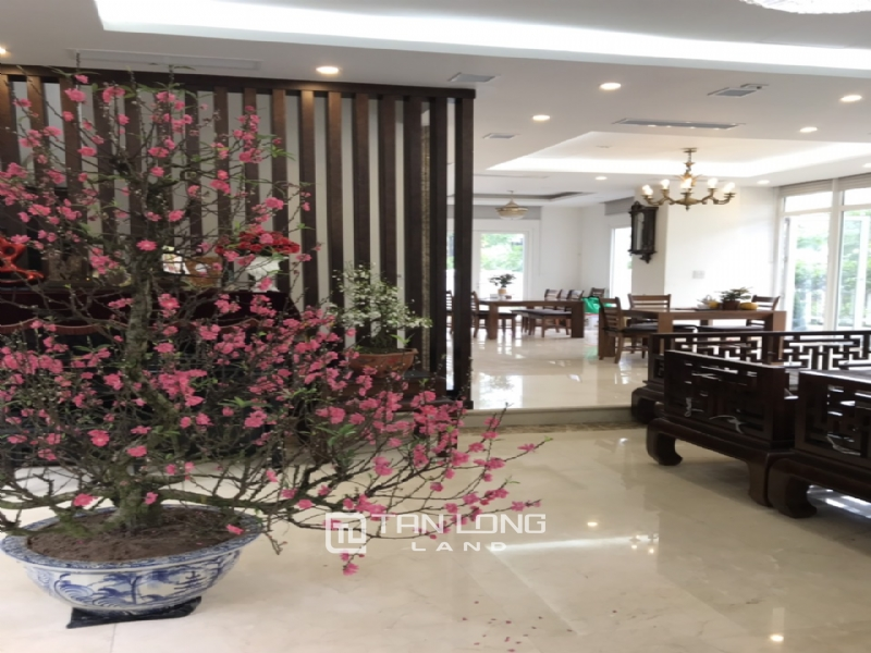 Romantic Villa For Rent In Hoa Phuong Area - Vinhomes Riverside Long Bien 18