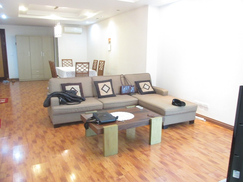 Selling 3 bedroom apartment in E5 Ciputra, full furniture