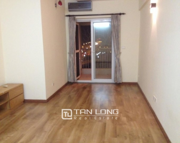Selling 3 bedroom apartment in Vuon Dao Building, Lac Long Quan, Tay Ho 2