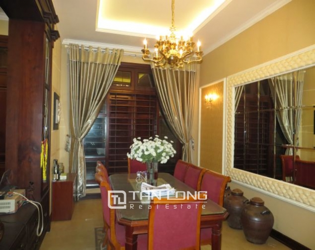 Selling 3.5 storey villa in Viet Hung urban, full furniture 6