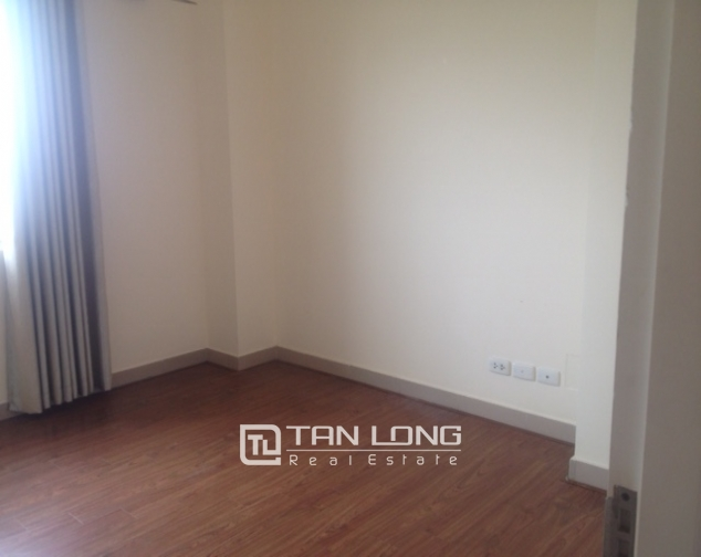 Selling 4 bedroom apartment in E4 Ciputra Hanoi, no furnishing 3