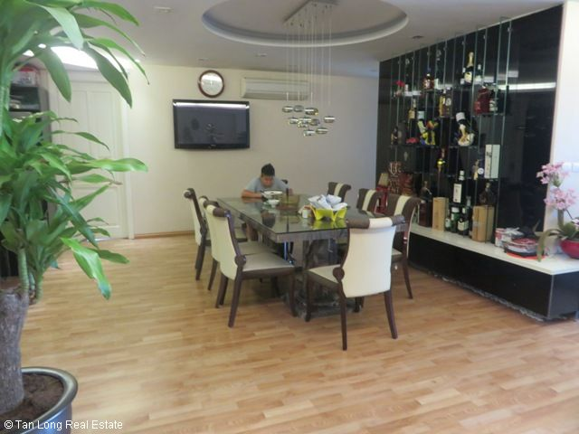 Selling 4 bedrooms unit in P2 Tower, Ciputra, Hanoi 10