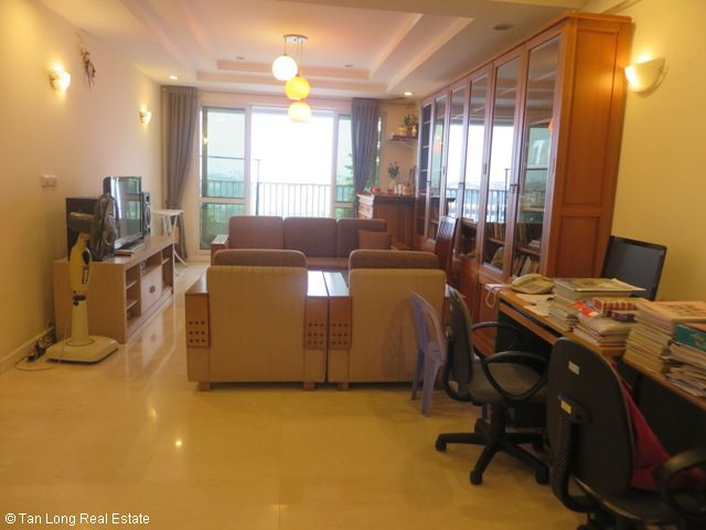 Selling 4 nice bedrooms apartment in P2 Building, Ciputra, Bac Tu Liem, Hanoi 1