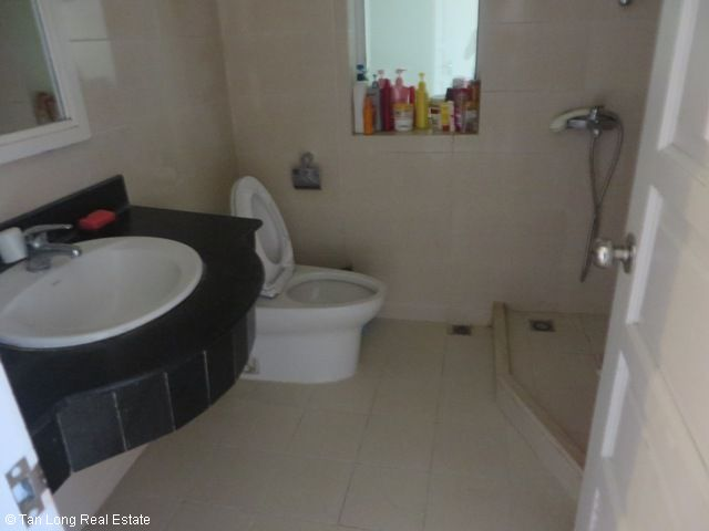 Selling 4 nice bedrooms apartment in P2 Building, Ciputra, Bac Tu Liem, Hanoi 4