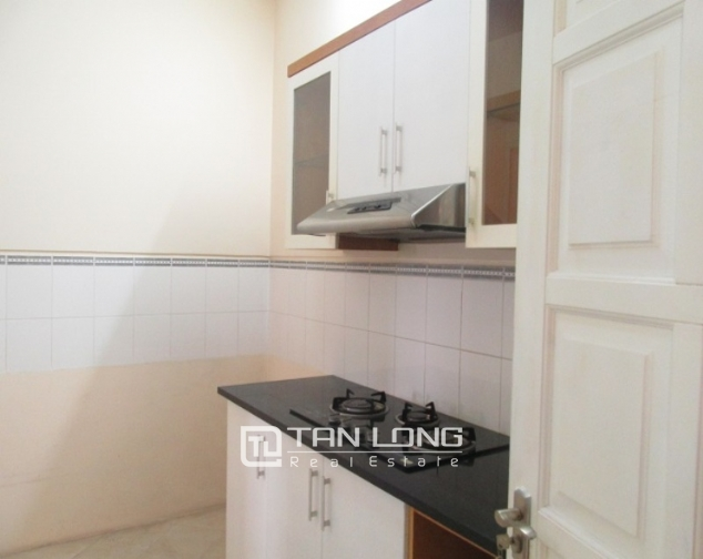 Selling E1 Ciputra apartment, 3 beds/2 baths 6