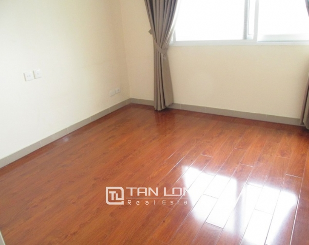 Selling E1 Ciputra apartment, 3 beds/2 baths 7