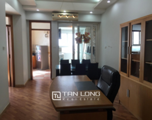 Selling high floor 2 bedroom apartment in 34T Trung Hoa Nhan Chinh urban, Cau Giay 2
