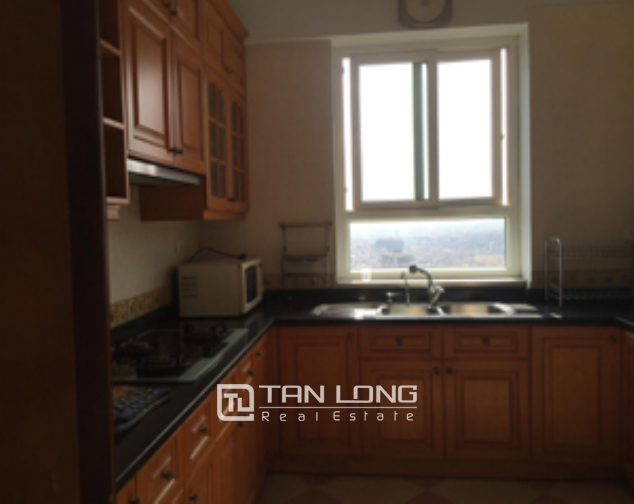Selling high floor 2 bedroom apartment in 34T Trung Hoa Nhan Chinh urban, Cau Giay 4