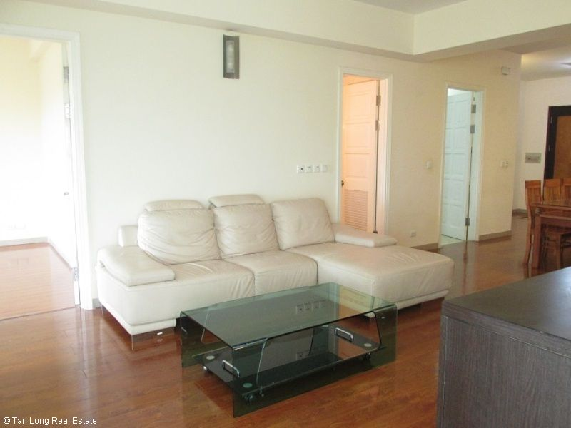 Selling nice 3 bedroom apartment in E1 Ciputra, Tay Ho, Hanoi 1