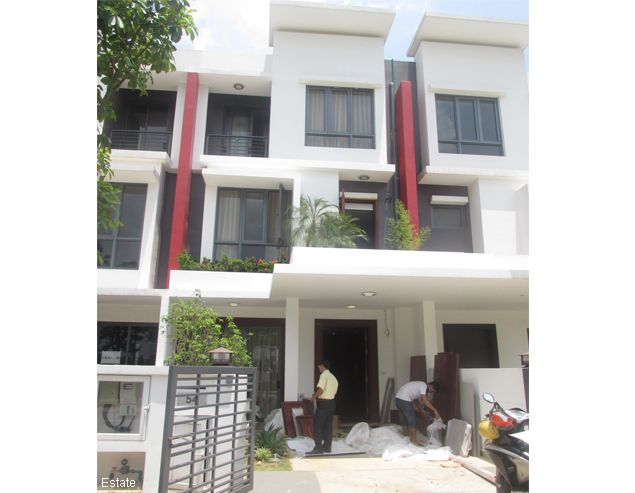 Semi-detached villa for rent in Gamuda Garden, Hoang Mai District 1