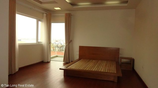 Service apartment for rent in Dang Thai Mai streets 10