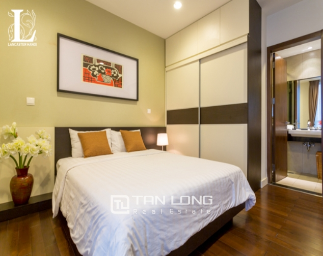 Serviced 2 bedroom apartment for rent in Lancaster Hanoi 4