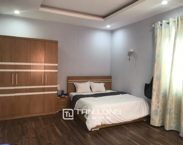 Serviced 3 bedroom apartment for rent on Lane 275, Au Co street 6