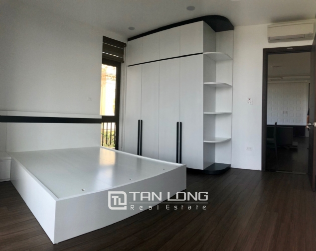 Serviced apartment for rent in Dang Thai Mai street. 8