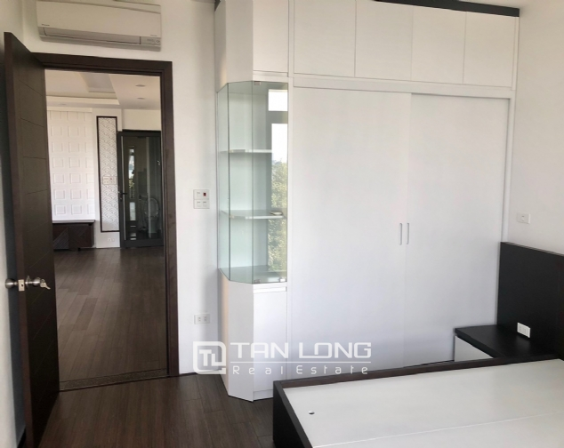 Serviced apartment for rent in Dang Thai Mai street. 1