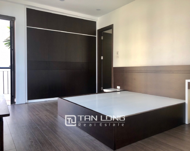 Serviced apartment for rent in Dang Thai Mai street. 4