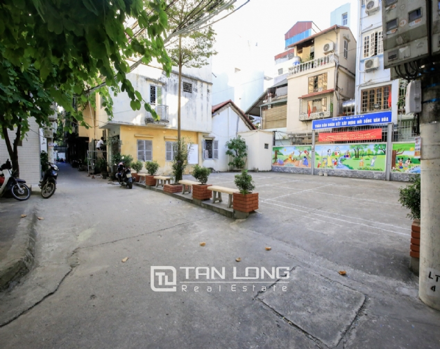 Serviced apartment for rent on Ong Ich Khiem, Ba Dinh district 9